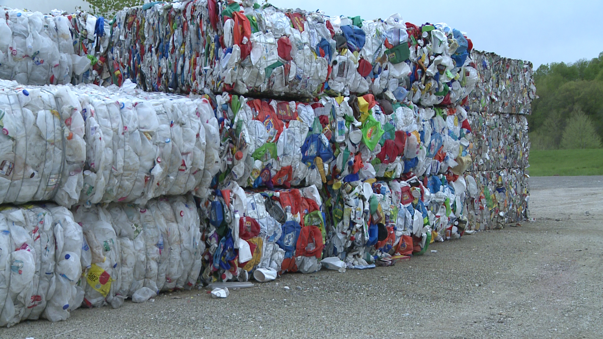 Recycling markets: problematic or disrupted?