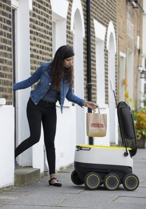 Robots deliver food to households in London